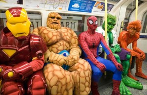 SUPERHEROES-TRAIN_1488939i